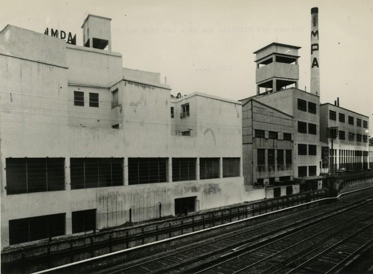 IMPA fachada sobre vías.